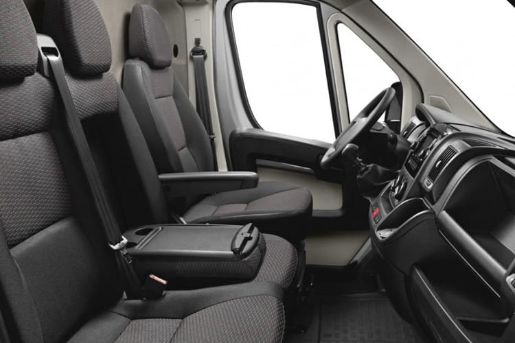 Peugeot Boxer 335 L3 2.2 BlueHDi FWD 140PS Built for Business Plus Tipper Double Cab Manual [Start Stop] inside view