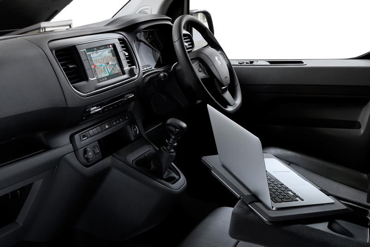 Peugeot Expert Standard 1400Kg 2.0 BlueHDi FWD 120PS Asphalt Van Manual [Start Stop] inside view
